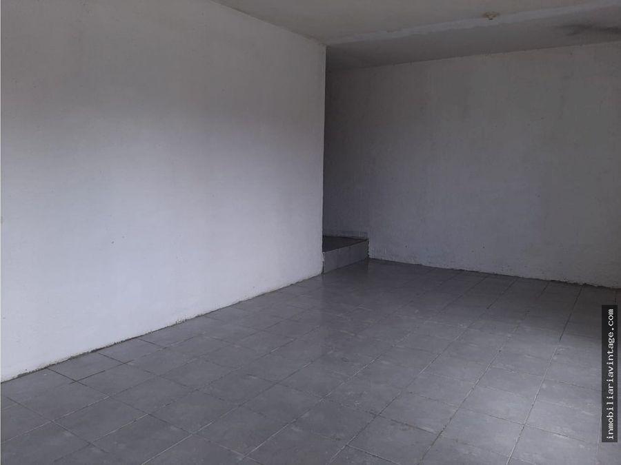 ofibodega en renta 200mts en complejo ubicado en zona 12