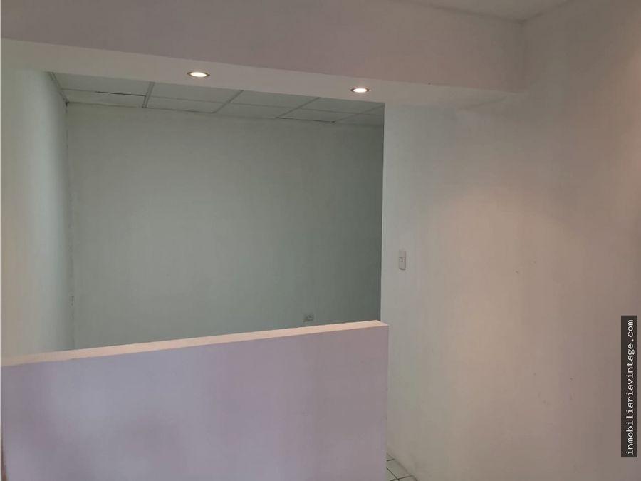 amplia oficina en renta zona 14