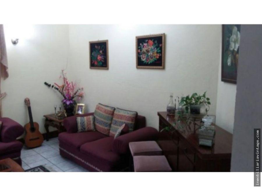 hermosa casa san cristobal zona 8 mixco