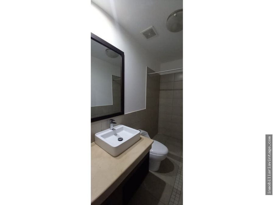 en renta lindo apartamento en zona 14 sector la noria