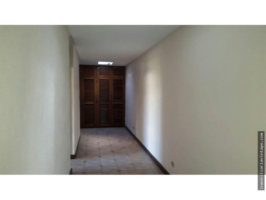 casa de 1 nivel en rentacerca de diagonal 6