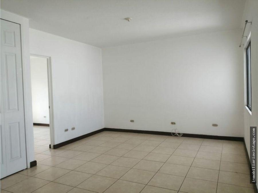 rento casa en portales de san isidro zona 16