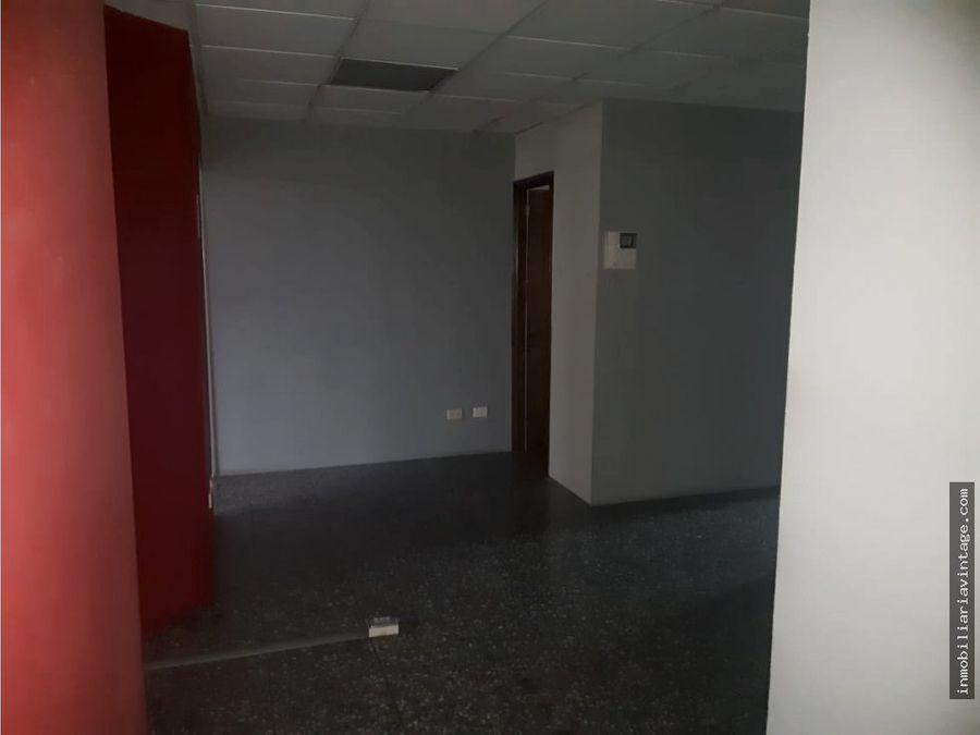 oficina en renta edificio zona 10