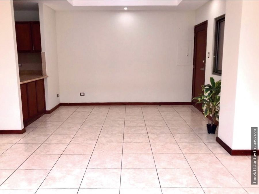 rento apartamento en zona 15 vista hermosa iii