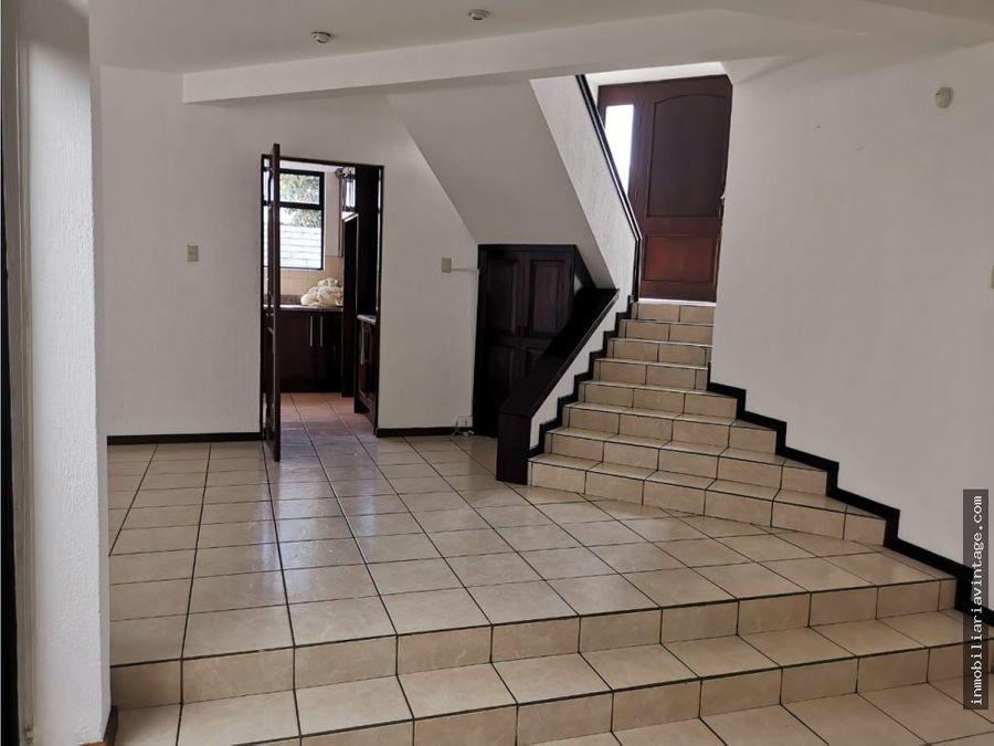 casa en venta la montana zona 16