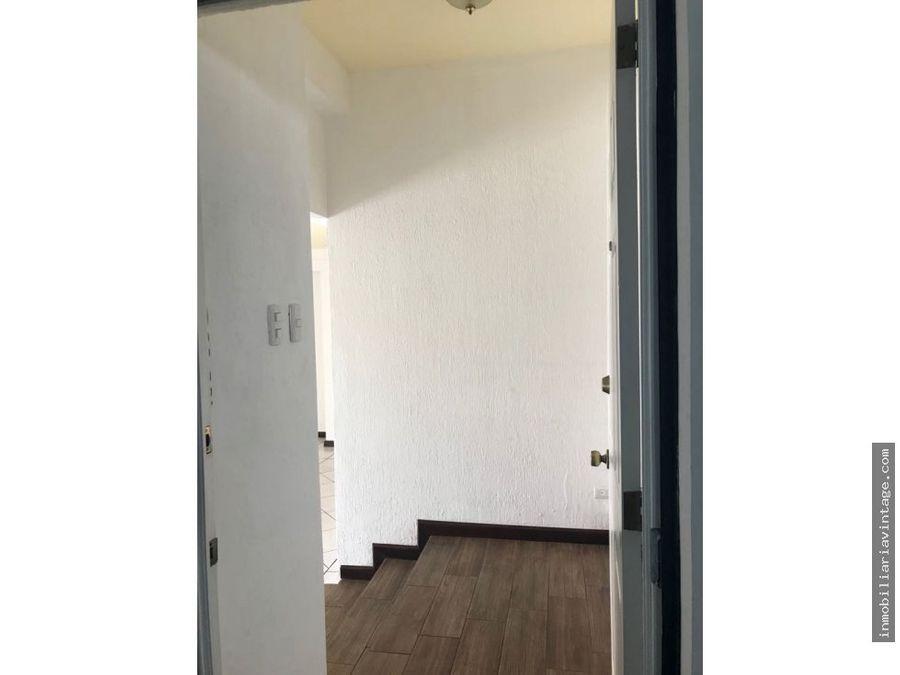 apartamento en lomas altas a pocos mts de trebol vista hermosa z15