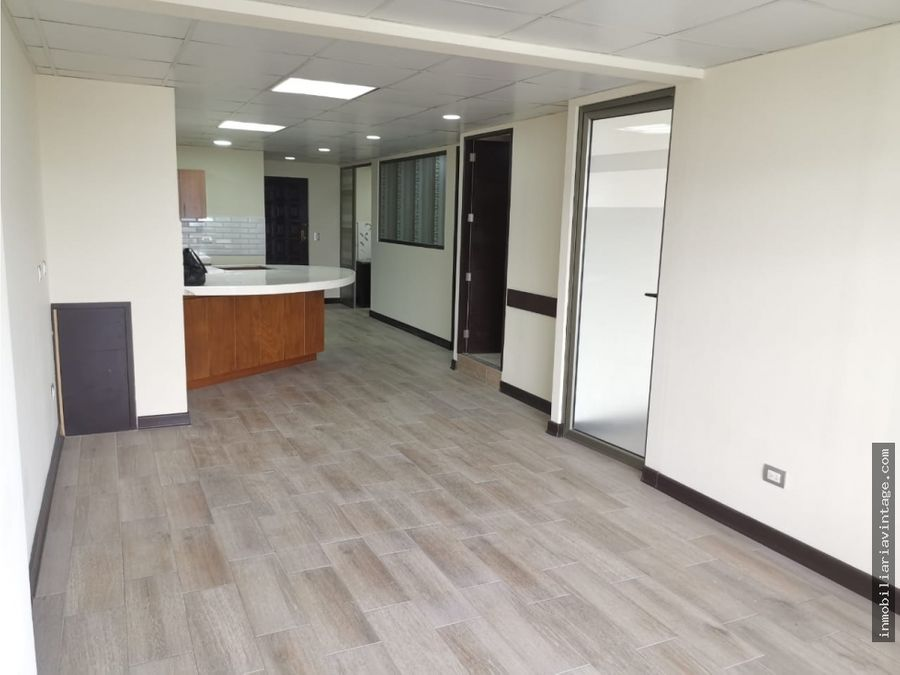 amplio apartamento remodelado ubicado en edificio zona 9