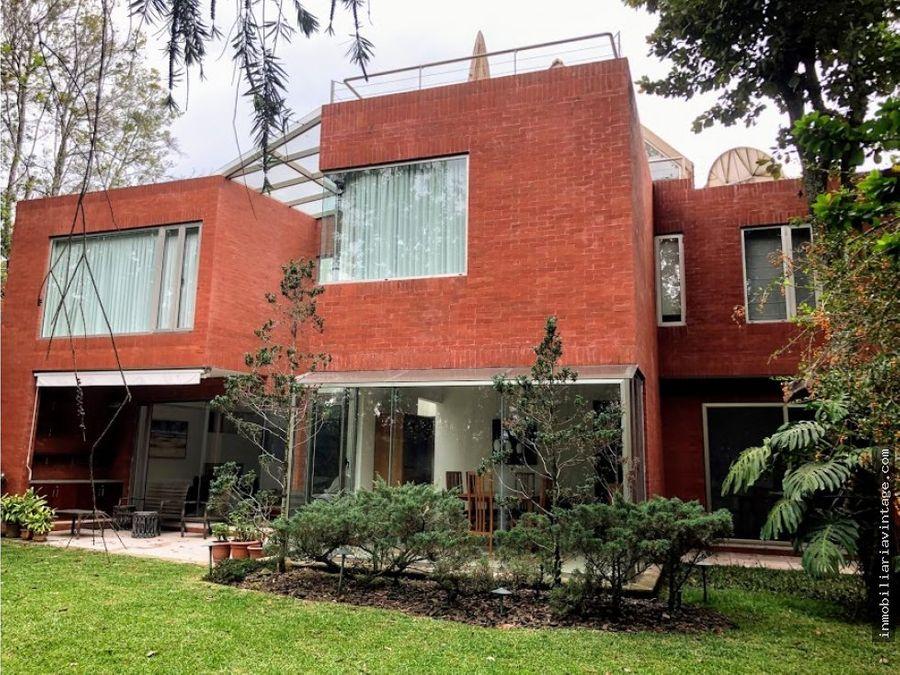 hermosa casa venta encinos de cayala