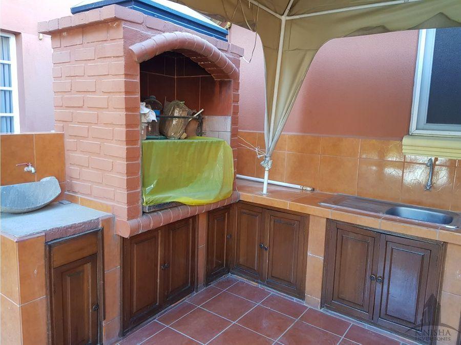 casa familiar zona de sarcobamba