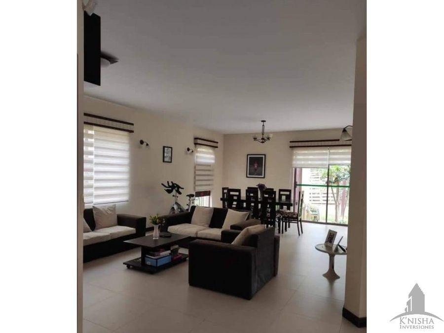 casa en venta en condominio tiquipaya 250000