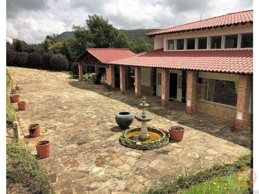 vendo hermosa casa campestre en la sabana bf