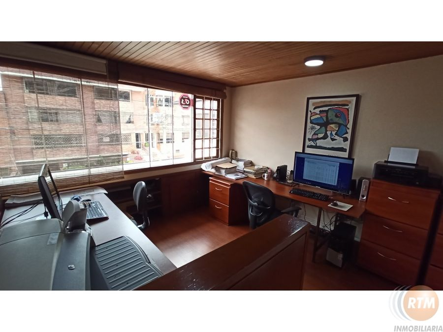 vendo casa con oficina independiente en santa barbara ic