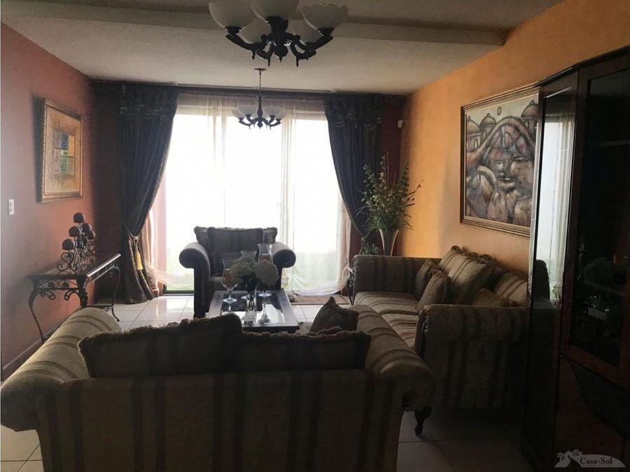 casa en venta en canadas de elgin d