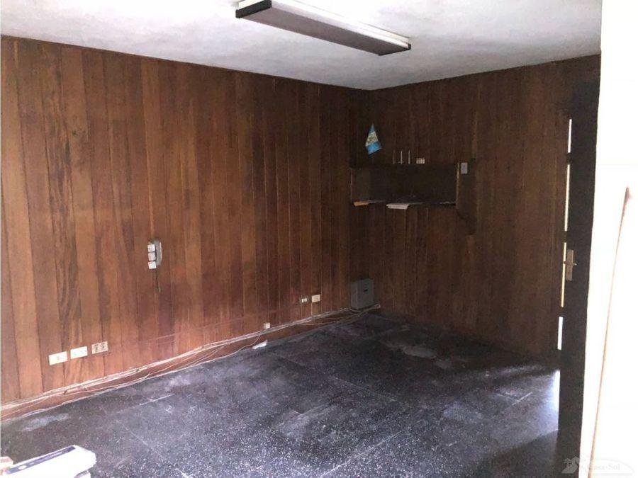 casa en venta en zona 1 d