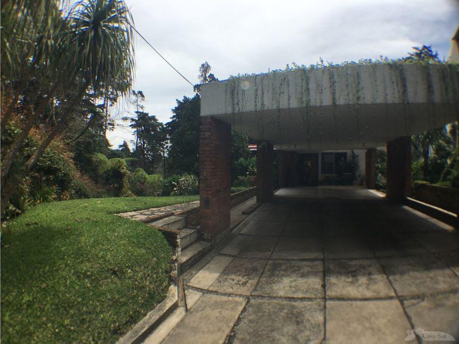 casa con apartamento en cond puerta parada d