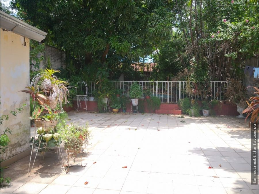 vendo casa en zona residencial de barrio jara