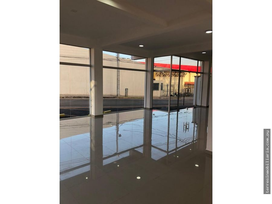 alquilo local de 120 m2 zona shopping san lorenzo