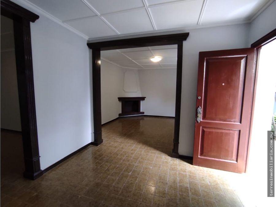 vendo hermosa residencia de 700 m2 sobre rodriguez de francia