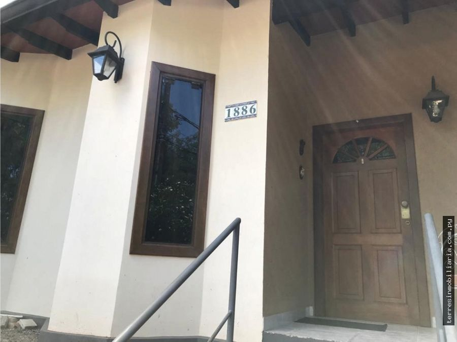 vendo casa en esquina avda bruno guggiari