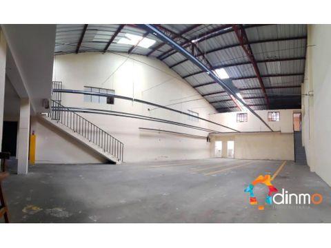 bodega galpon 300 m2 con oficinas arriendo parque de los recuerdos