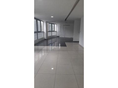 c hermosa y amplia oficina de arriendo en cumbaya
