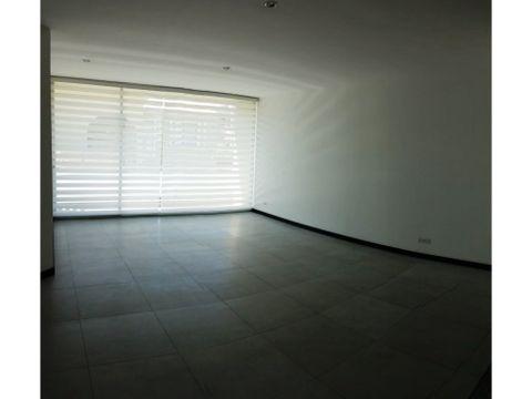 vendo suite 75 m2 2 parqueaderos cumbaya
