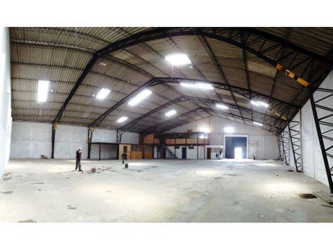 bodega 1060 m2 en arriendo sector ingreso al comite del pueblo