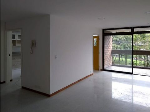 se arrienda apartamento remodelado en suramericana laureles estadio