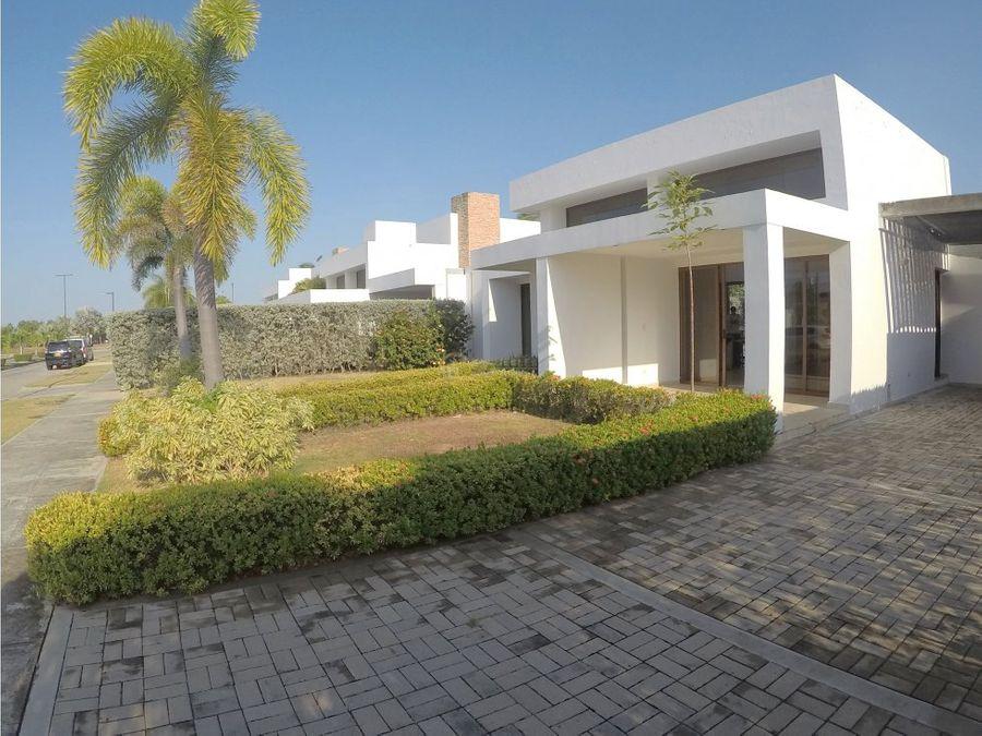 oportunidad vendemos casa en bacelona de indias