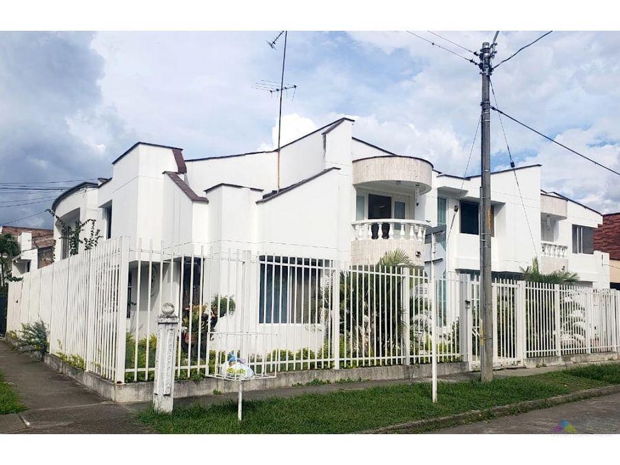 hermosa casa independiente en las mercedes palmira