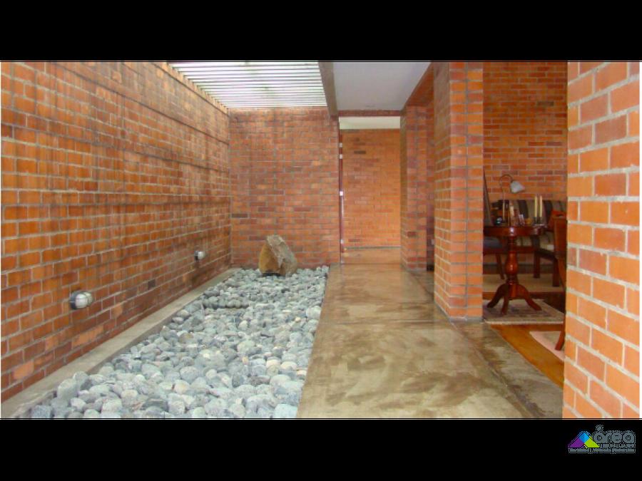 hermosa casa en condominio dapa valle del cauca