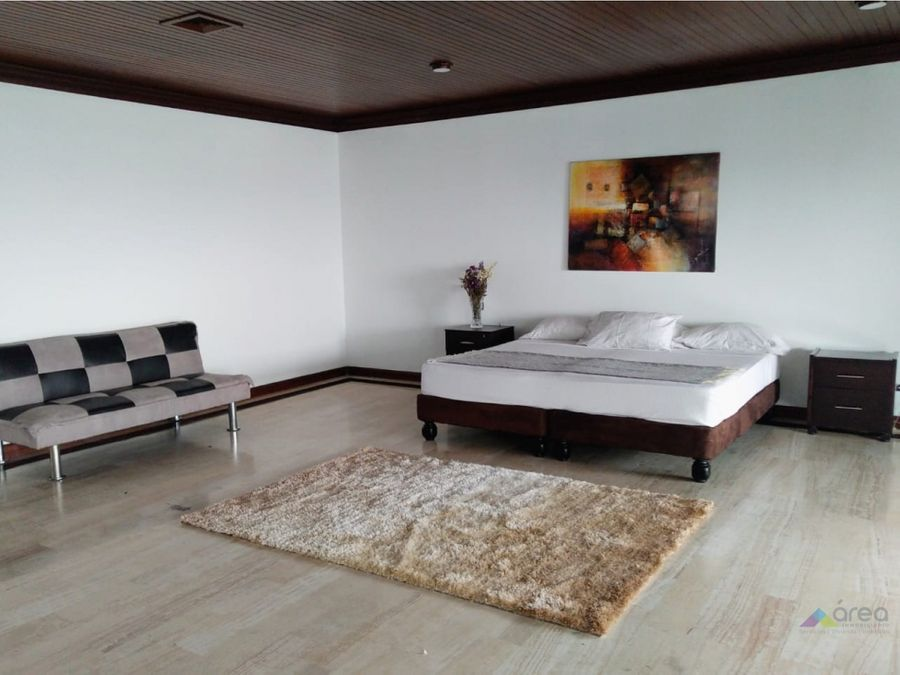 exclusivo penthouse amoblado en altos de menga norte de cali