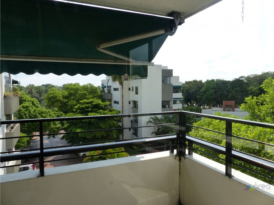 amplio penthouse en multicentro sur de cali