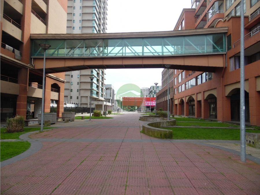 arriendo oficina portal bicentenario con estacionamiento