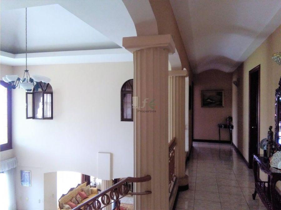 espectacular casa en heredia