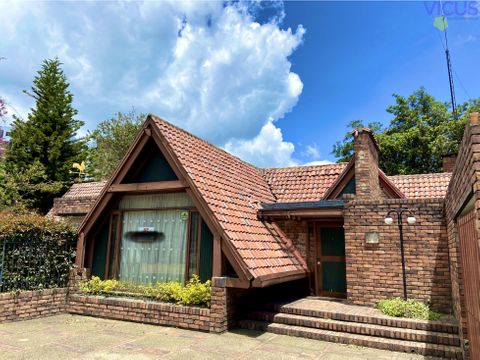 espectacular casa en multicentro venta