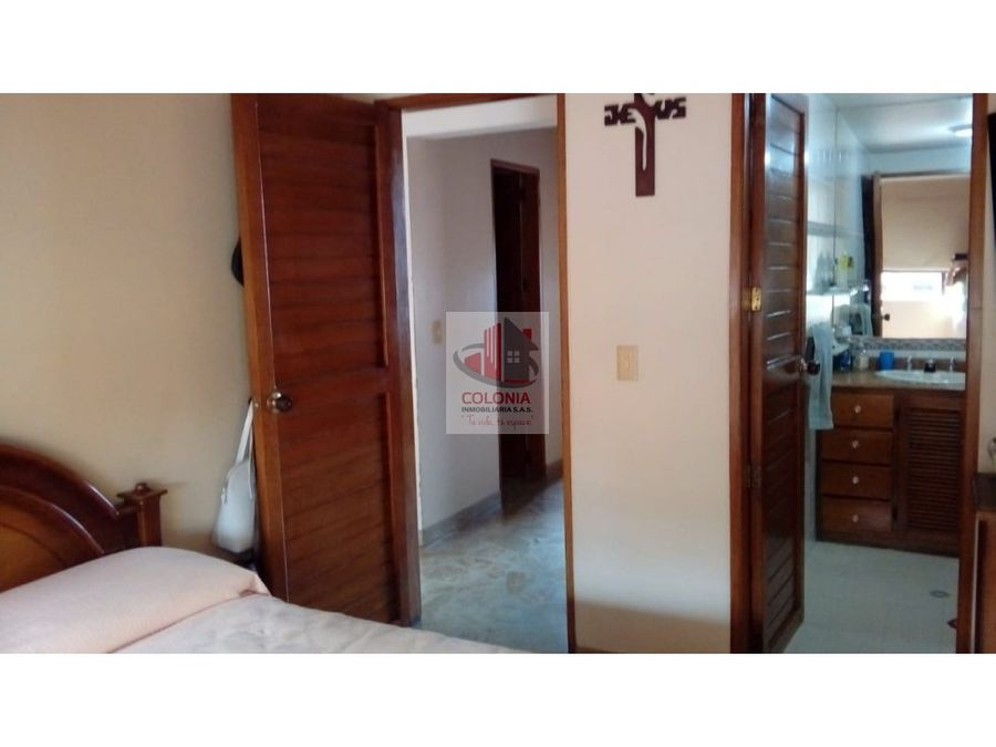disponible en venta apartamento en laureles