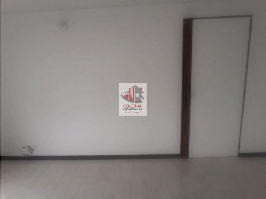 se arrienda apartamento en loma san julian