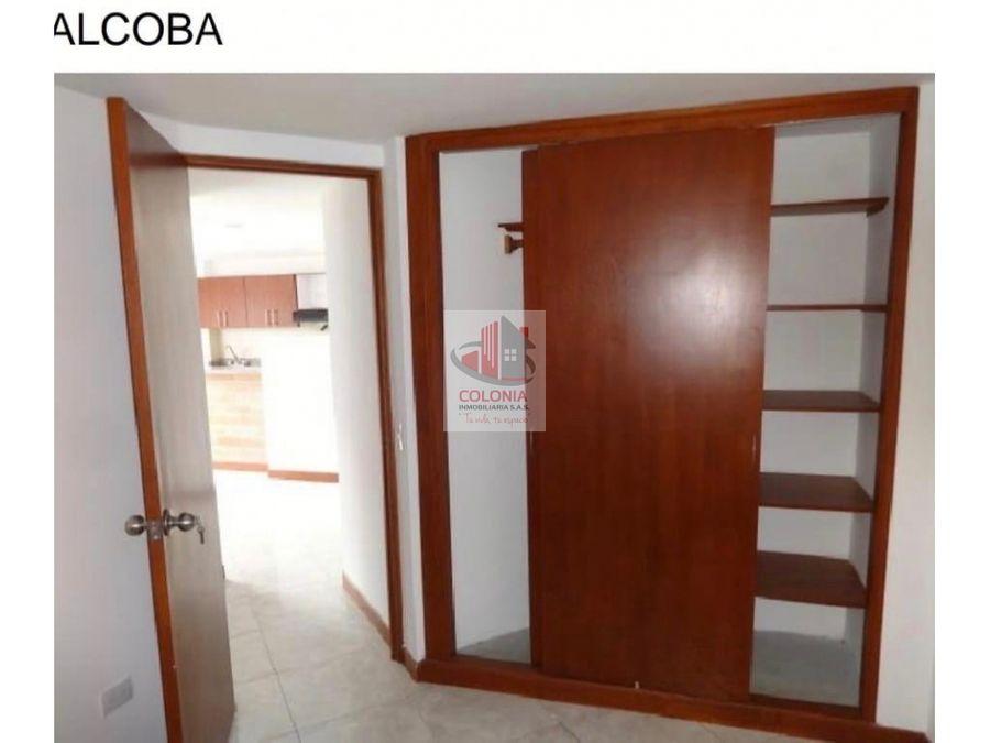 apartamento cuarto piso sin ascensor parte plana en sabaneta