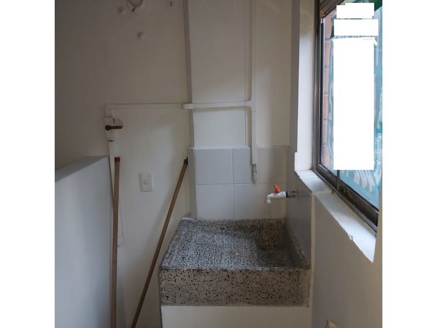 se arrienda apartamento en calasanz parte baja