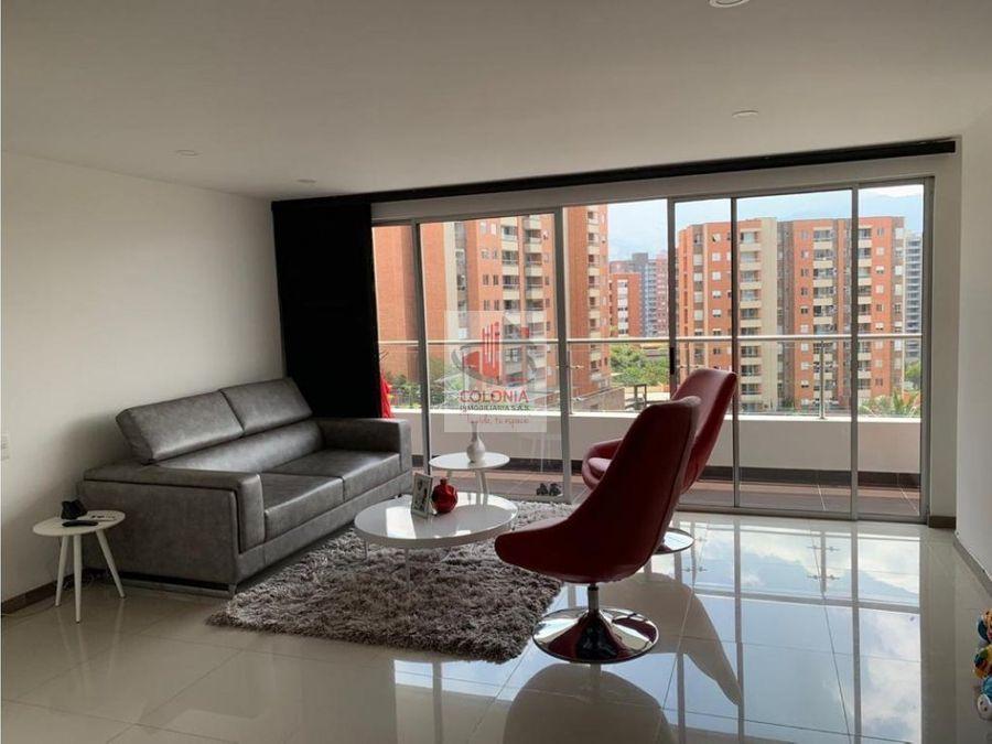 se vende apartamento en loma del esmeraldal