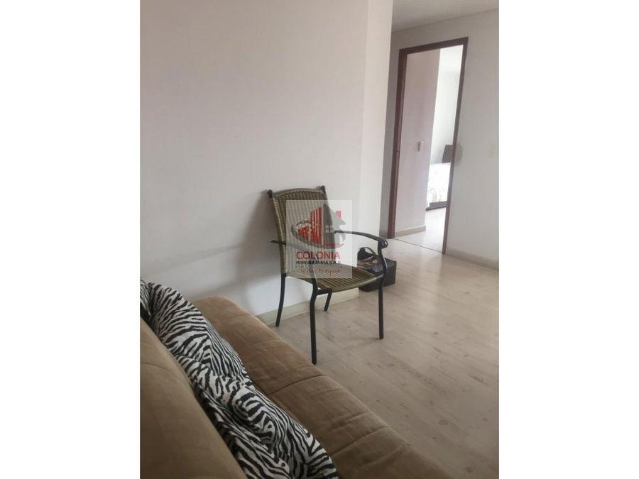 se vende comodo apartamento en el poblado