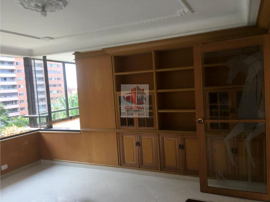 se vende y se arrienda apartamento en poblado