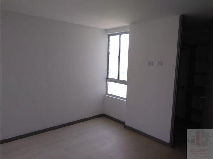 se vende apartamento en sabaneta calle larga
