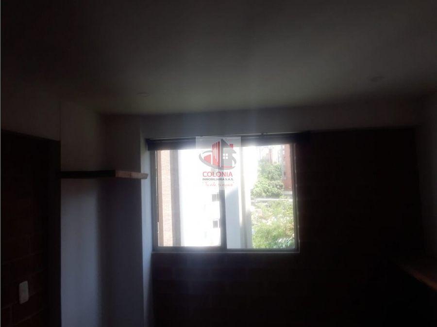 se arrienda apartamento en el poblado