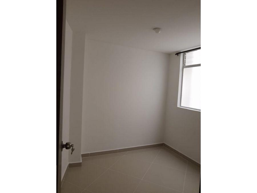 se vende comodo apartamento en la america