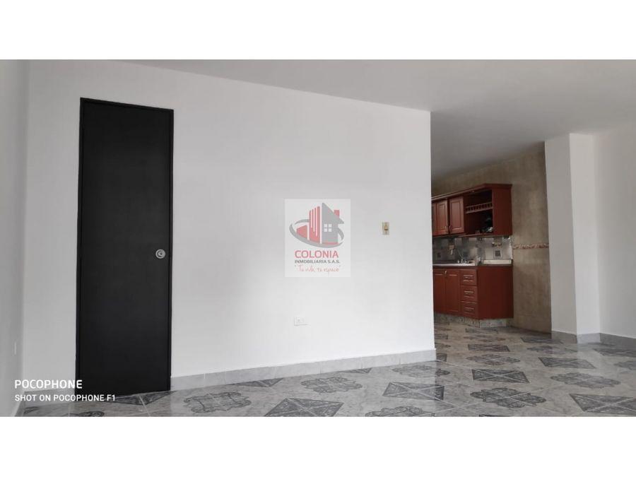 se vende amplio apartamento en calasanz