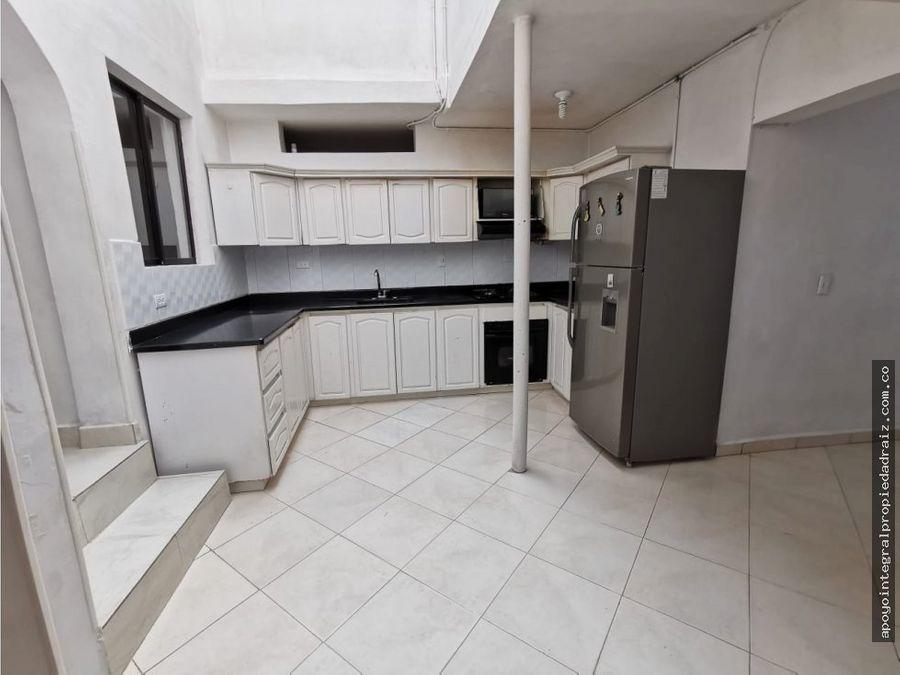 venta de casa con terraza sector laureles