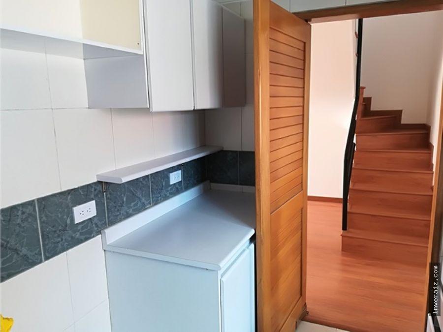 arriendo apartamento duplex en lisboa