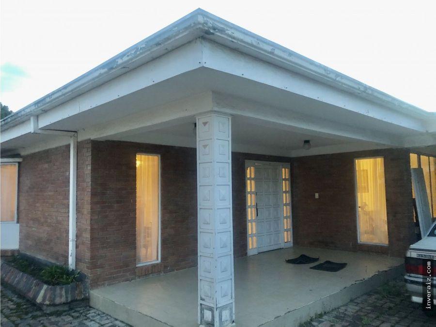 vendo casa220 m2 3hab patio remodelar